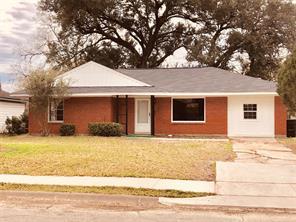 5918 westover street, houston, TX 77033