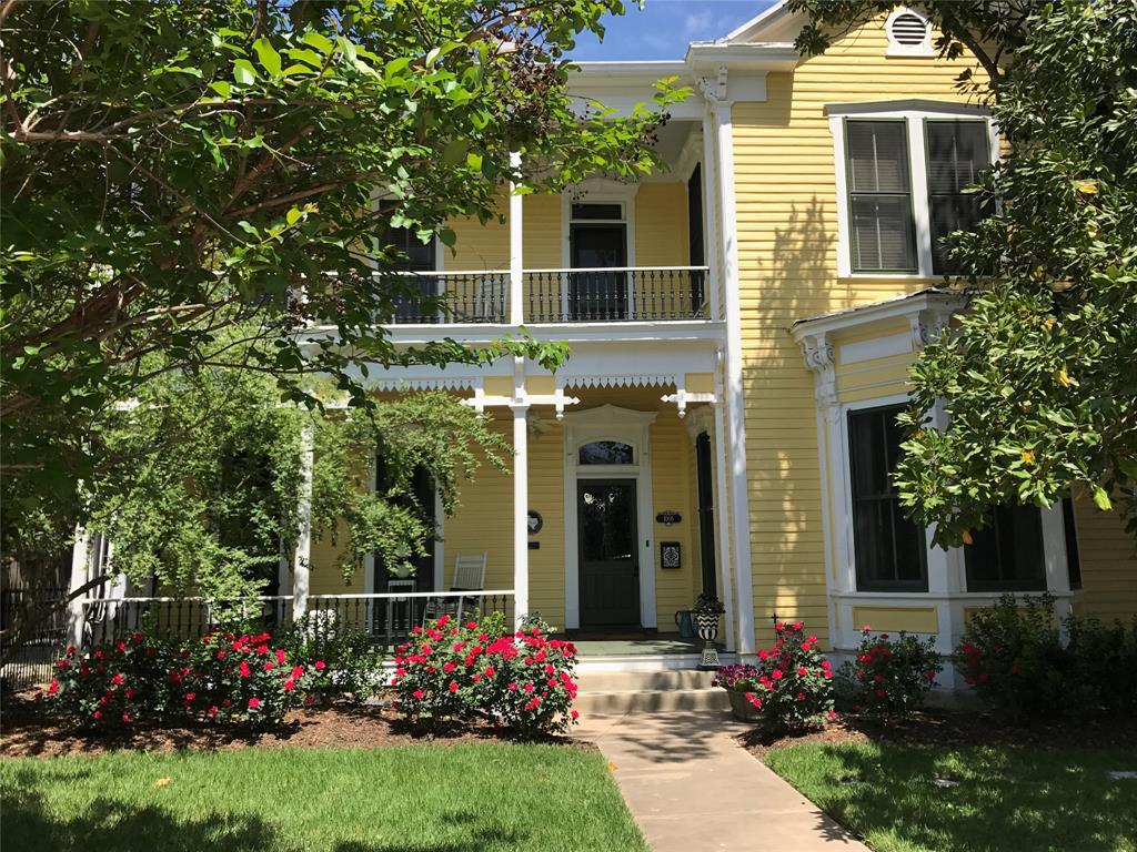 1006 Chestnut Street, Bastrop, TX 78602