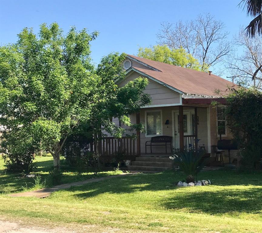 306 N Center, Louise, TX 77455