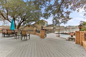 136 Lakeside Drive, Conroe, TX 77356