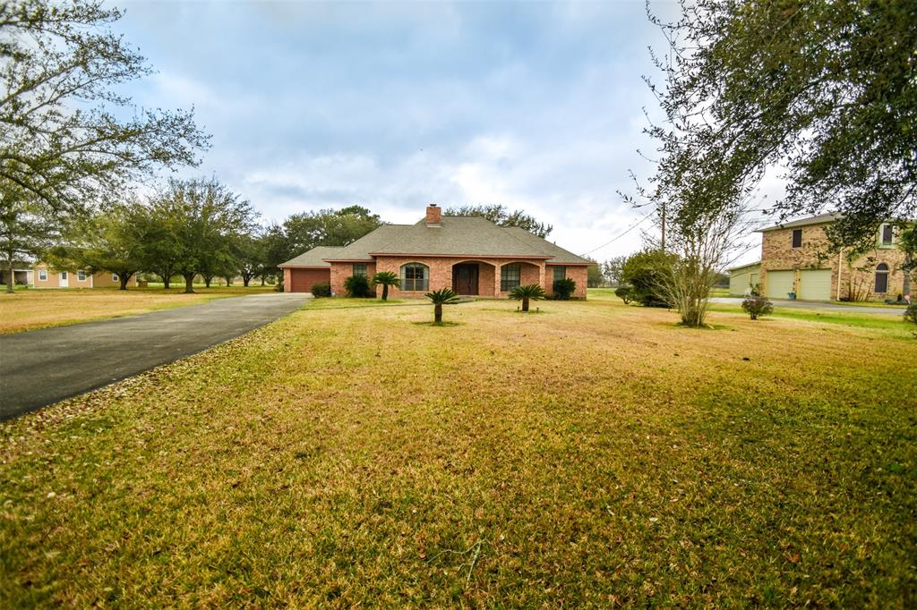10219 Laurie Lane, Highlands, TX 77562