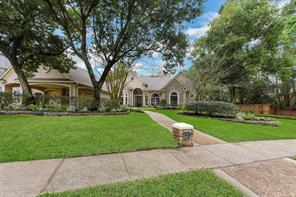 2 Forest Green Trail, Houston, TX 77339