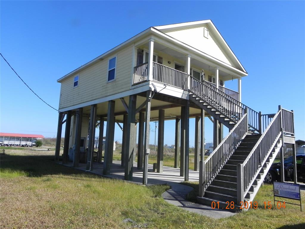 1060 Faggards Road, Gilchrist, TX 77617