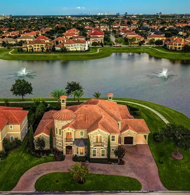 Houses In Lakes Of Parkway Houston TX