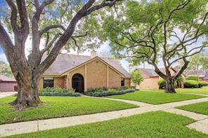9414 braewick drive, houston, TX 77096