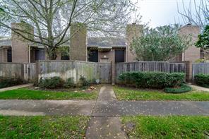 13776 Hollowgreen Drive 343/40, Houston, TX 77082