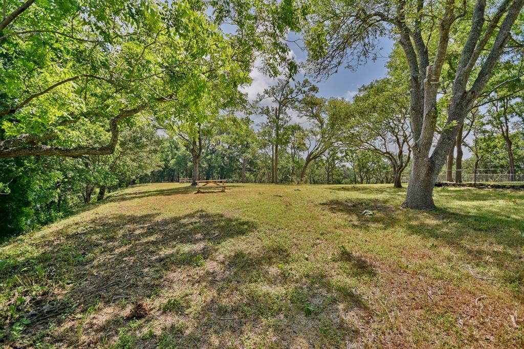 106 Camp Lone Road, La Grange, TX 78945