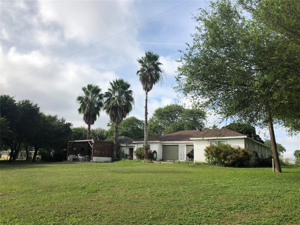 143 N Valencia Drive, Bayview, TX 78566