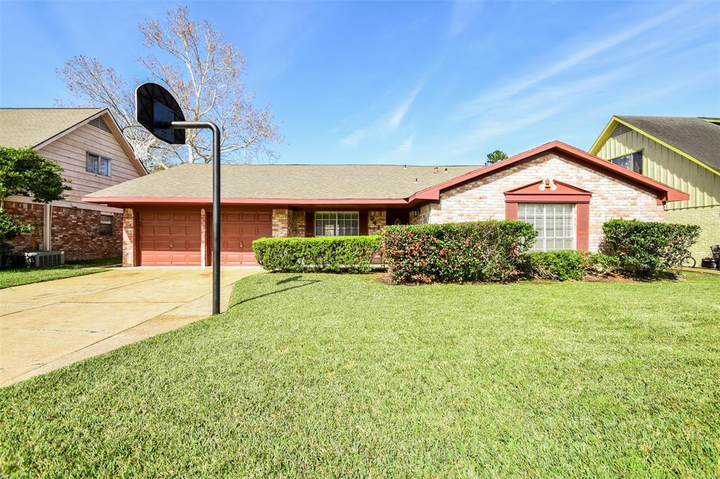 9410 Bankside Drive, Houston, TX 77031