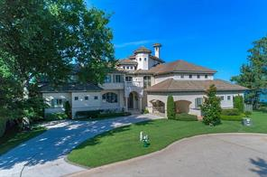 Open water paradise on Lake Conroe located on the very private island of Bentwater.