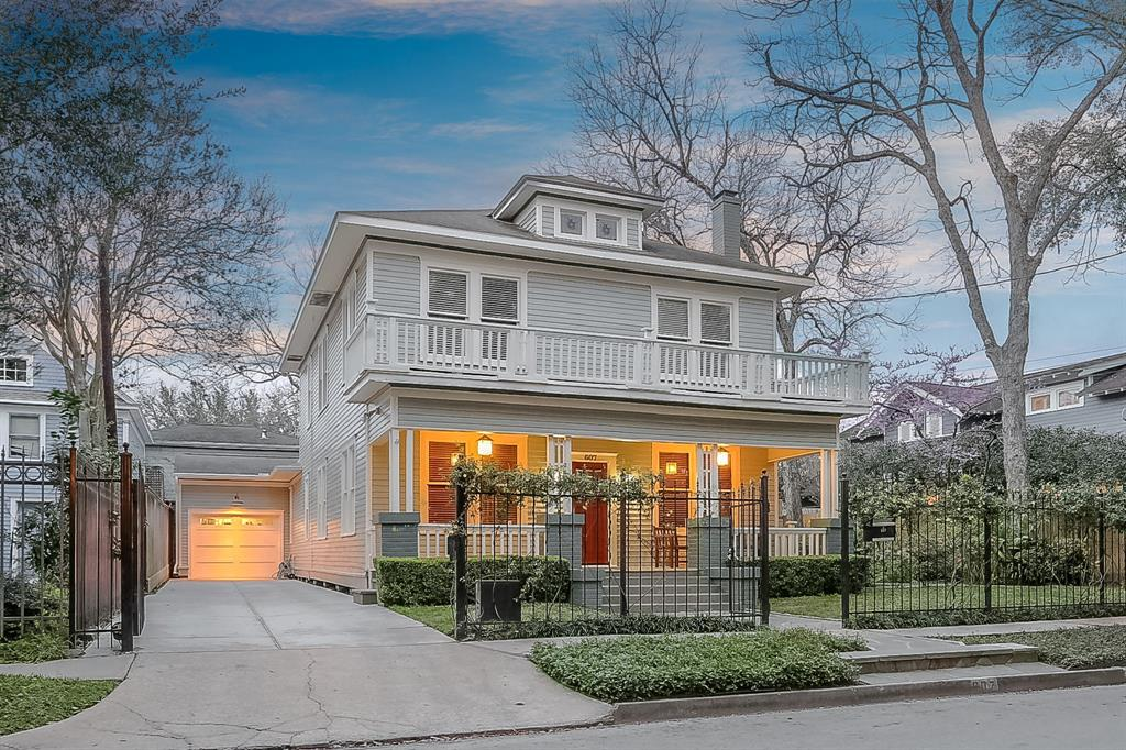 This 5 bedroom, 4.5 bath home sits on an over-sized lot.
