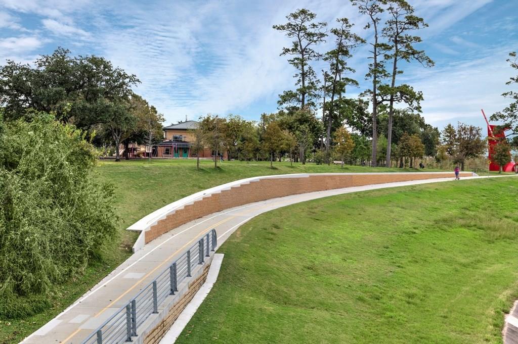 This home is just a short walk or bike ride away from the White Oak Bayou Hike and Bike trail.