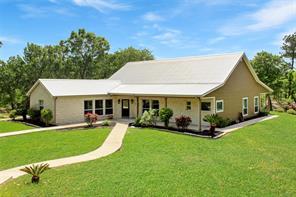2040 barton creek, smithville, TX 78957