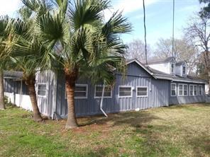 326 Texas Avenue, Bacliff, TX 77518