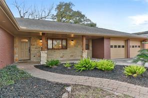 1711 Huge Oaks, Houston TX 77055