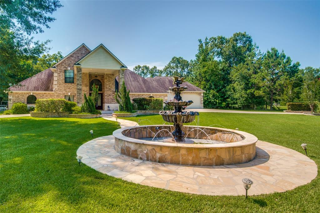 502 Commons Lakeview Drive, Huffman, TX 77336