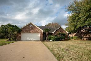1701 e tom green street, brenham, TX 77833