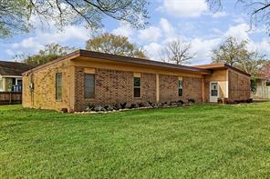 404 Pine, Tomball TX 77375