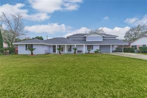 3208 westminister street, pearland, TX 77581