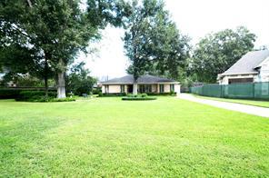 8642 Cedarbrake, Spring Valley Village TX 77055