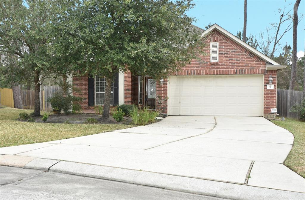 FRESHLY PAINTED, BEAUTIFUL ONE STORY THREE BEDROOMS HOME, IN GORGEOUS TREE AREA OF STERLING REACH NEAR TO SCHOOLS PARKS, WMCA, AND PUBLIC LIBRARY, GREAT FLOOR PLAN, GREAT LOCATION EASY TO MAINTAIN