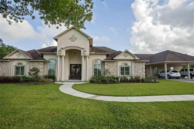 14305 Coon Road, Winnie, TX 77665