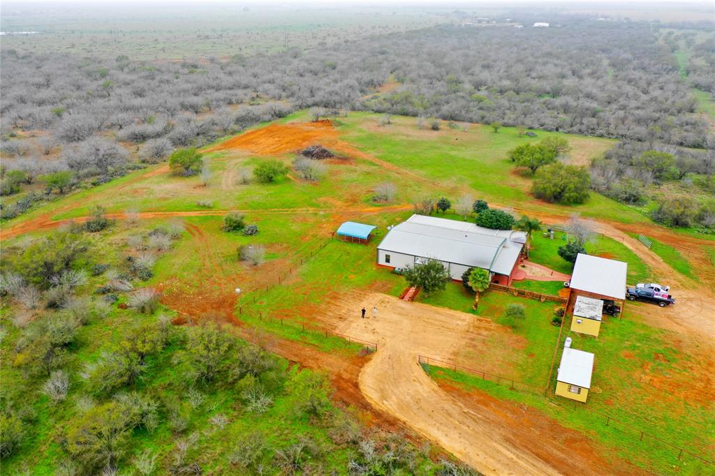 1150 Bluntzer Road, Jourdanton, TX 78026
