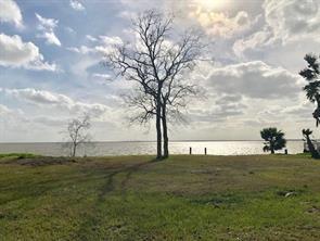 126 Bluebill Bay, Baytown TX 77523