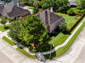 806 Mockingbird Lane, Friendswood, TX 77546