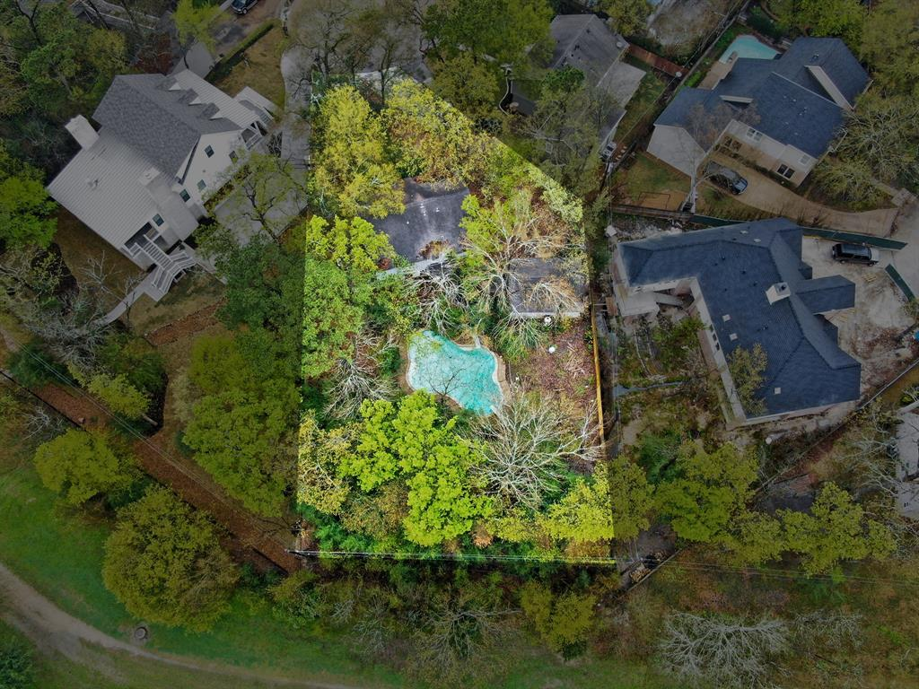 Wonderful opportunity to build custom home with renowned Houston builder Cupic Custom Homes. This lot features ample trees, no back neighbors, and excellent proximity to Lakeside Country Club and the Nottingham Forest Club. Flooded for first time during hurricane Harvey after the dam release. Please schedule appointment to walk the lot with the listing agent. Do not walk the lot without first calling.
