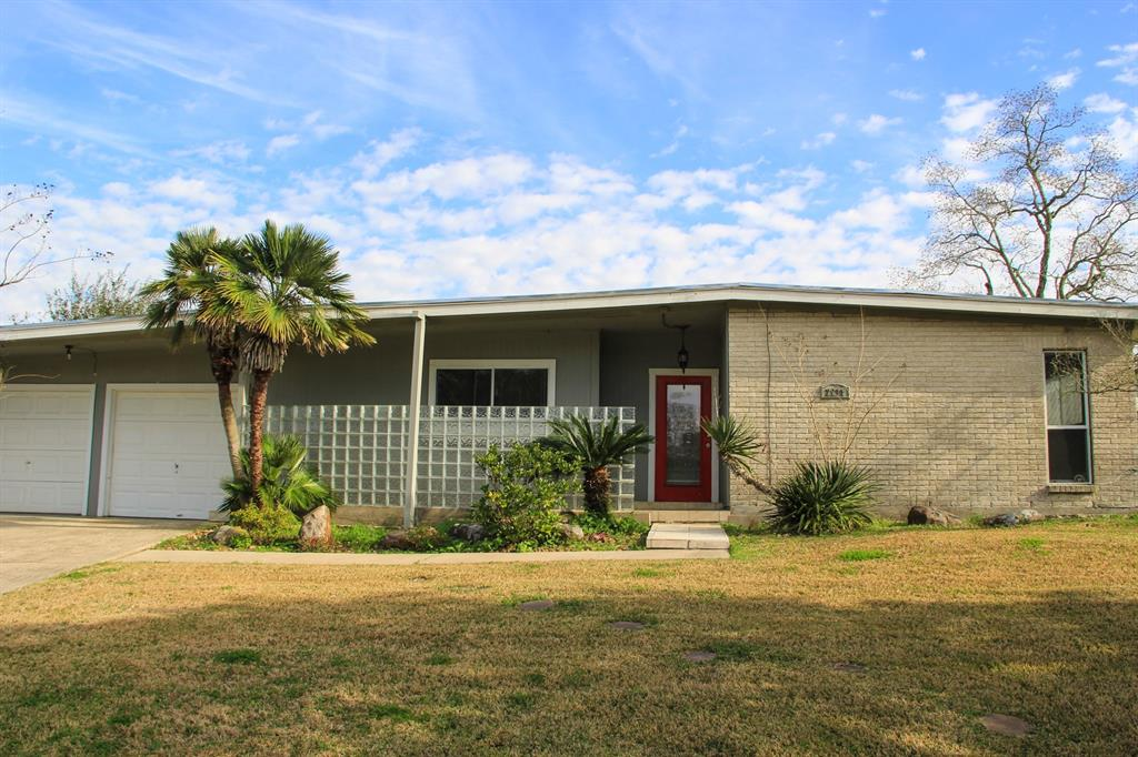2211 Bonita Way, Baytown, TX 77520