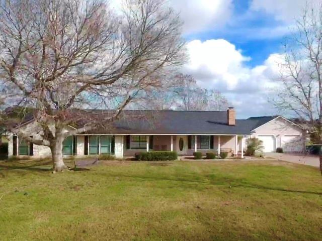 225 County Road 735, Angleton, TX 77515