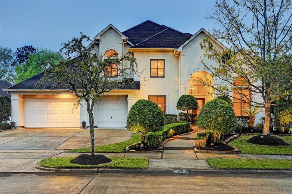 2518 Deep Oak Court, Houston, TX 77059