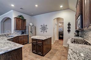 2516 Rockygate Lane, Friendswood, TX 77546
