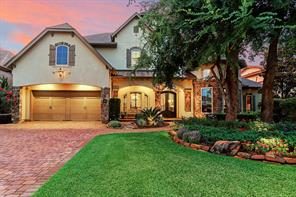 38 w loftwood circle, the woodlands, TX 77382