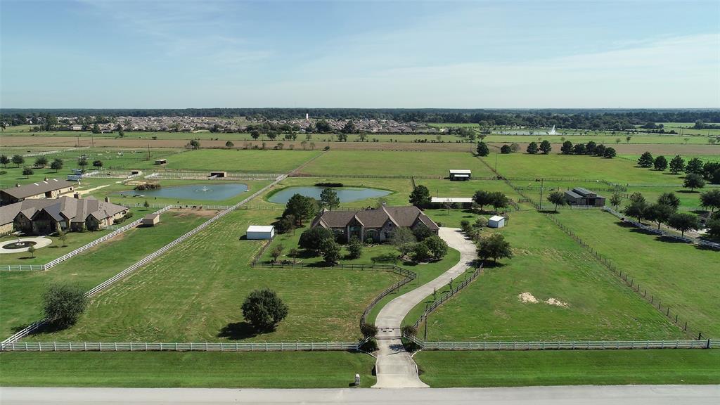 310 Hunters Creek Way, Hockley, TX 77447