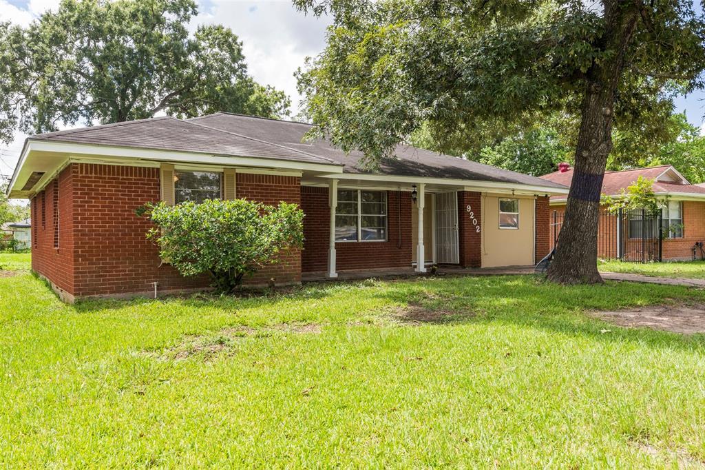9202 Chatwood Drive, Houston, TX 77078