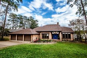 828 Overbrook Drive, Huntsville, TX 77340