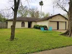 2830 New England, Webster, TX, 77598