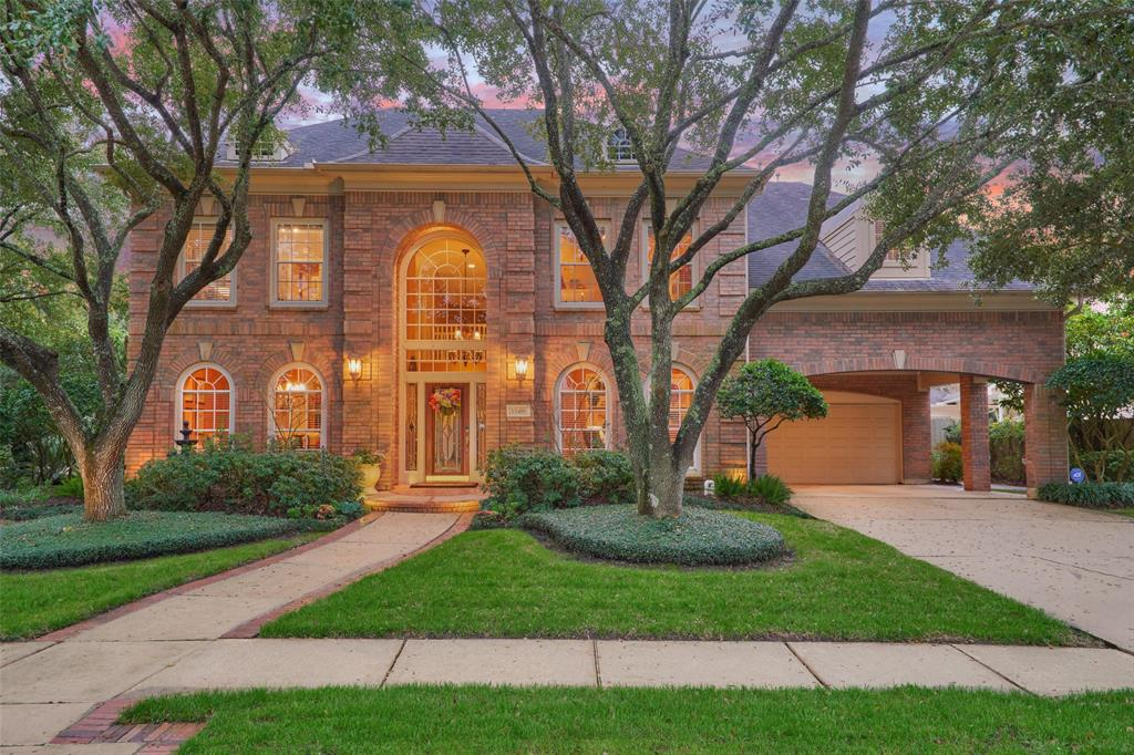 15418 Oakmont Club Court, Houston, TX 77059