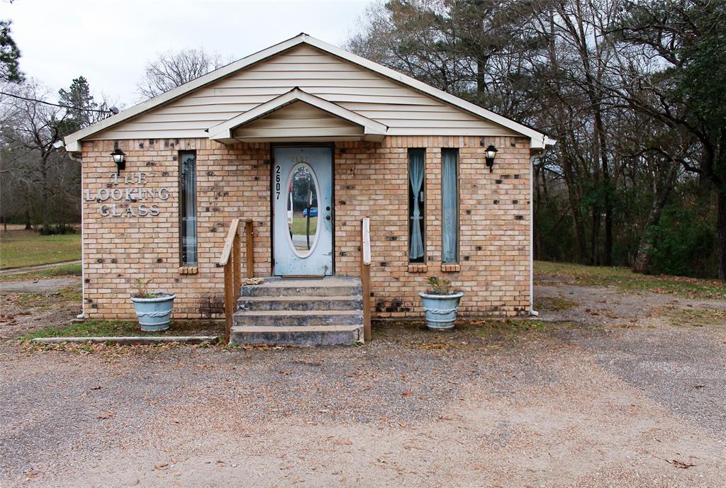 2607 E Denman Avenue, Lufkin, TX 75901