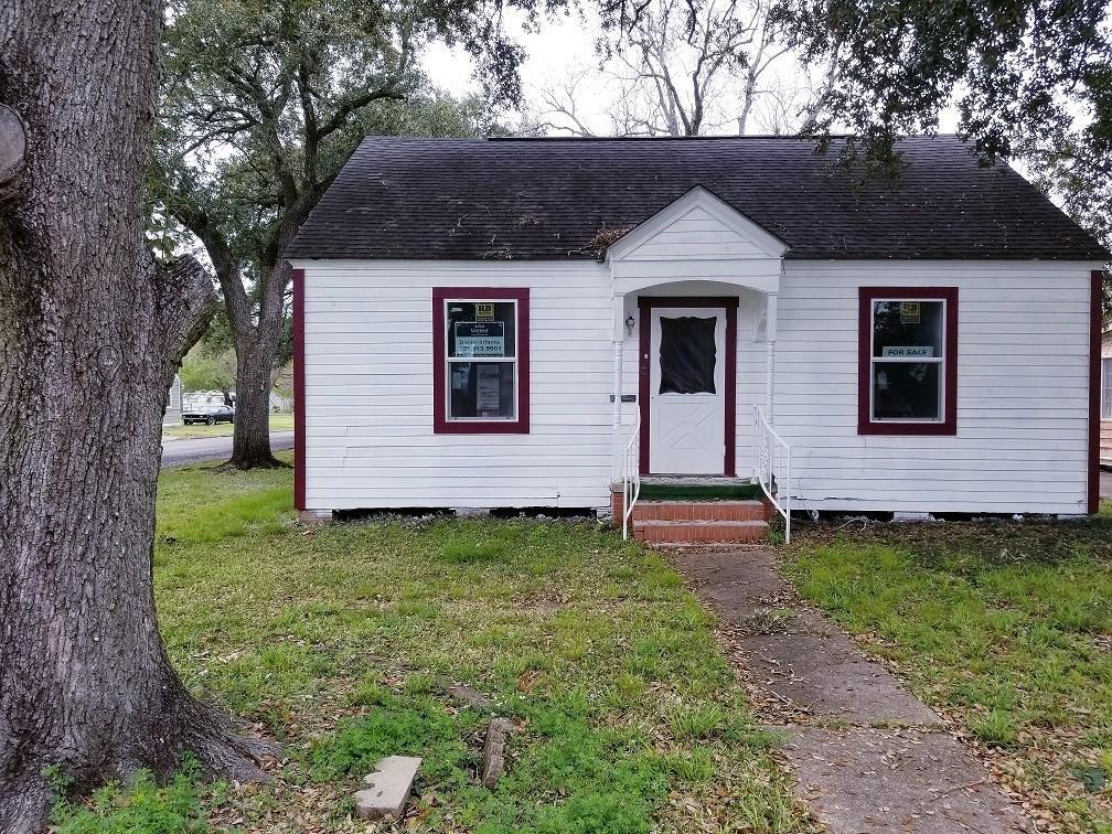 940 Rosedale Drive, Port Arthur, TX 77642