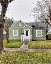 715 10th N Avenue, Texas City, TX 77590