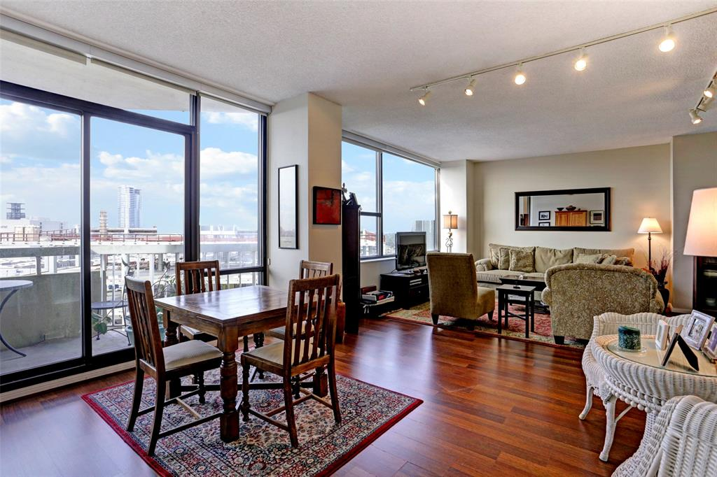 Generous 1/1 with Balcony & Galleria Skyline Sunset views! Kitchen with Granite Countertops, Wood Cabinets, Refrigerator included. Bathroom has tub shower, granite countertops and stacked washer dryer unit included. Master suite has a spacious walk-in closet, balcony access and terrific skyline views. This unit also has a large storage closet off the main entry along with a smaller coat closet.  Full service high rise living. Central location with easy freeway access to Upper Kirby District, Downtown, Galleria & Post Oak Areas. Close to great shopping and dinning!