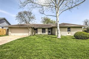 430 Bay Colony Drive, La Porte, TX 77571