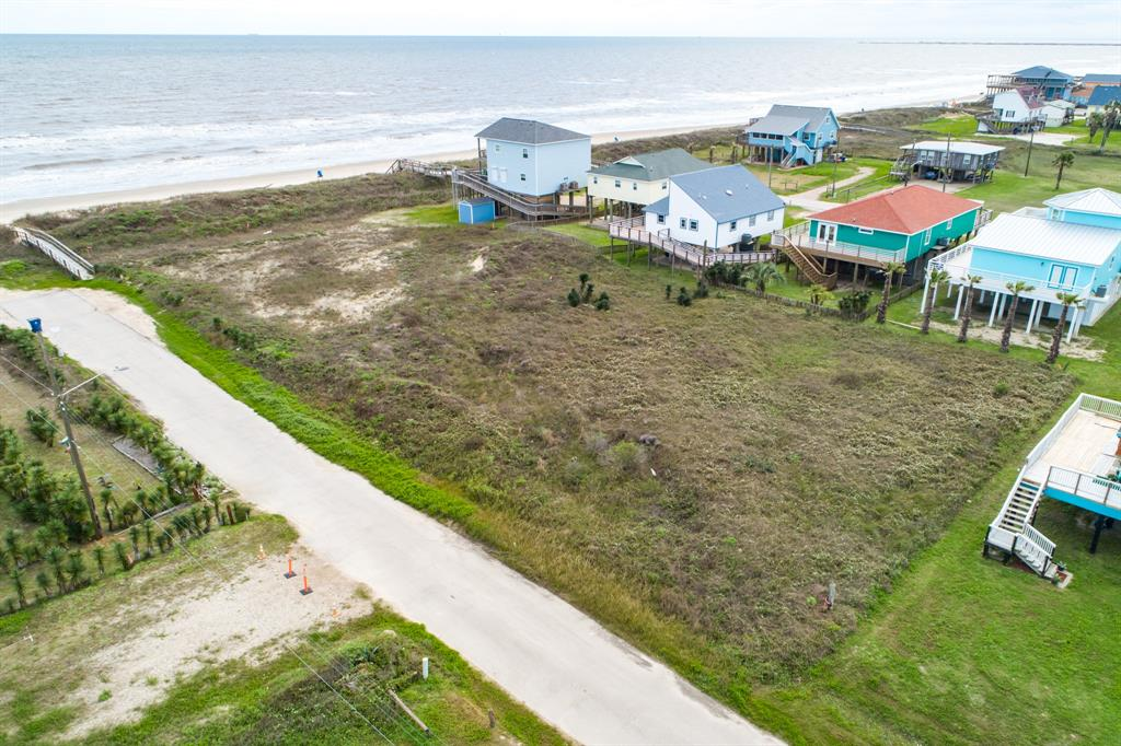 100 Coral Street, Surfside Beach, TX 77541