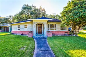 800 atwell street, bellaire, TX 77401