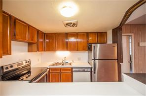 Sussex Cond The, 7520 Hornwood Dr #6
