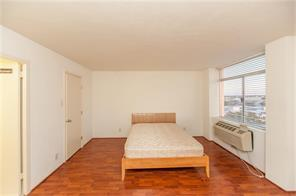 Sussex Cond The, 7520 Hornwood Dr #8