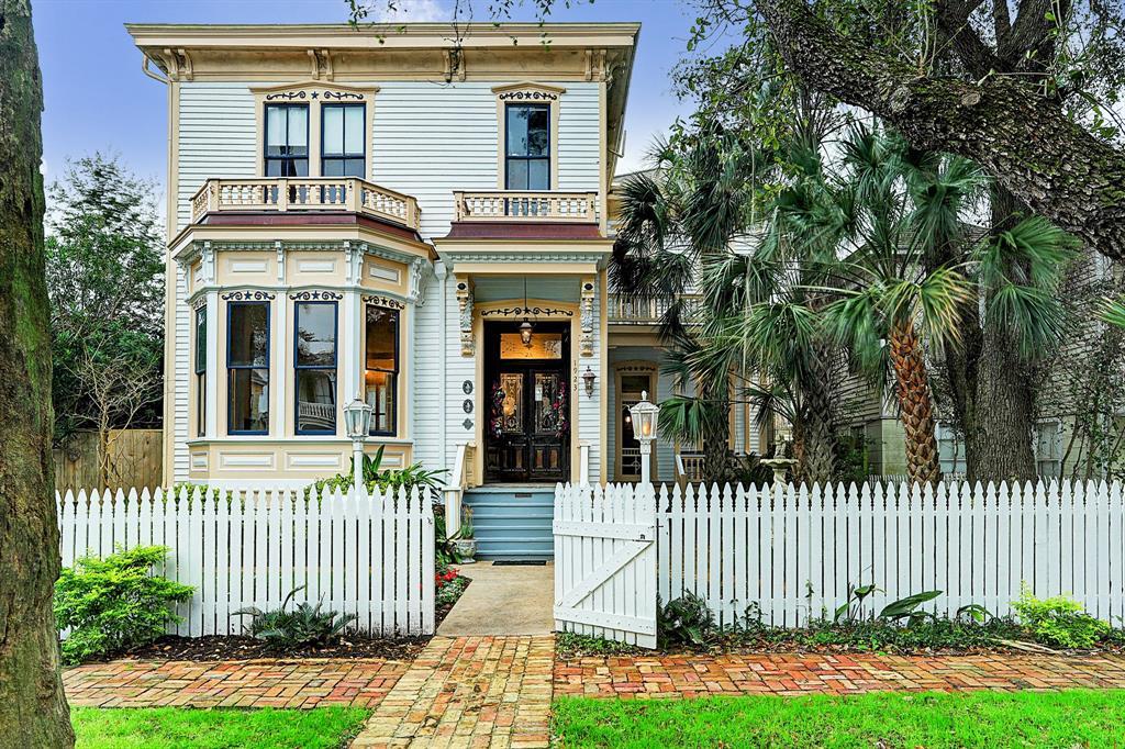 1923 Avenue M, Galveston, TX 77550